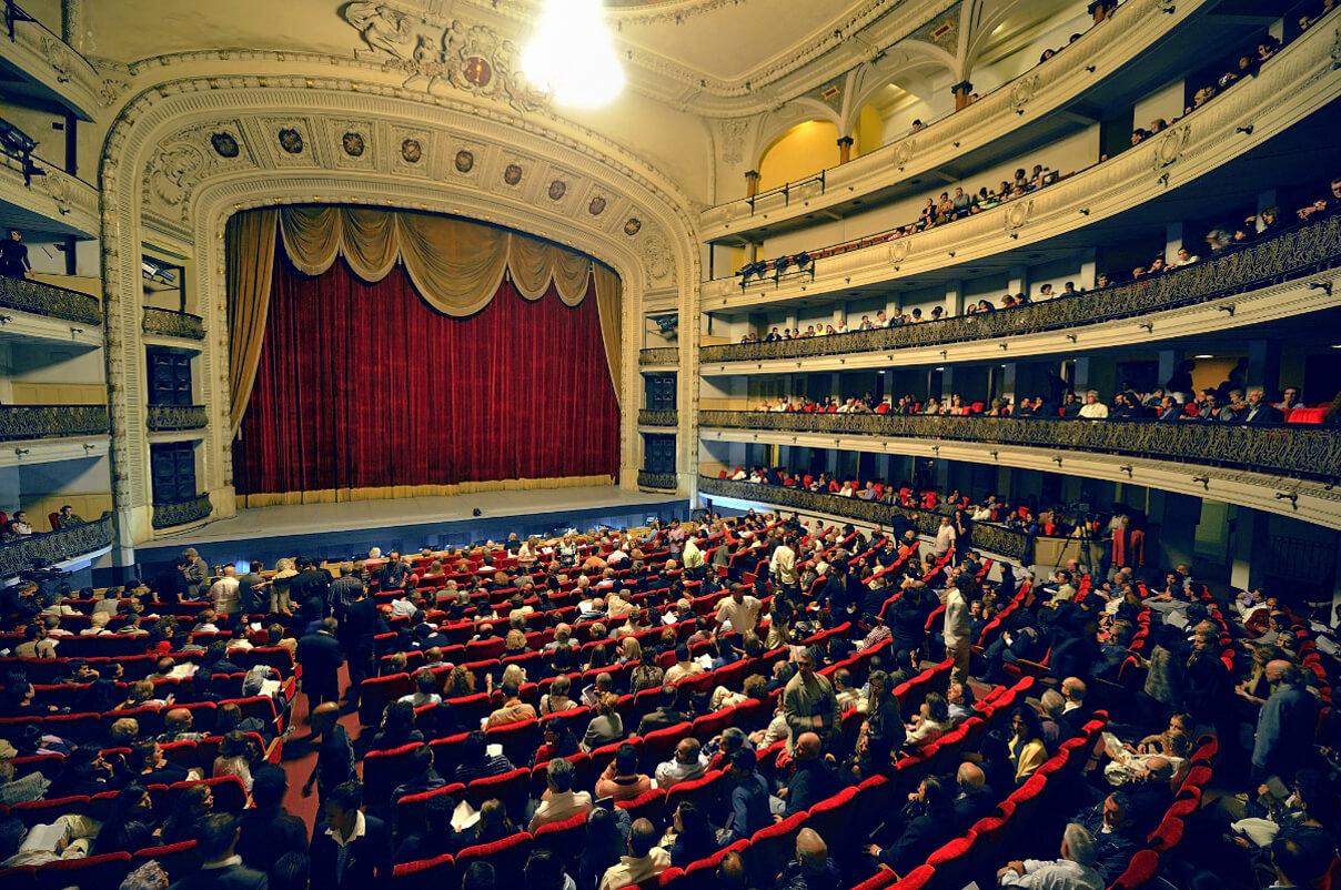 Hörverlust Theater Kino