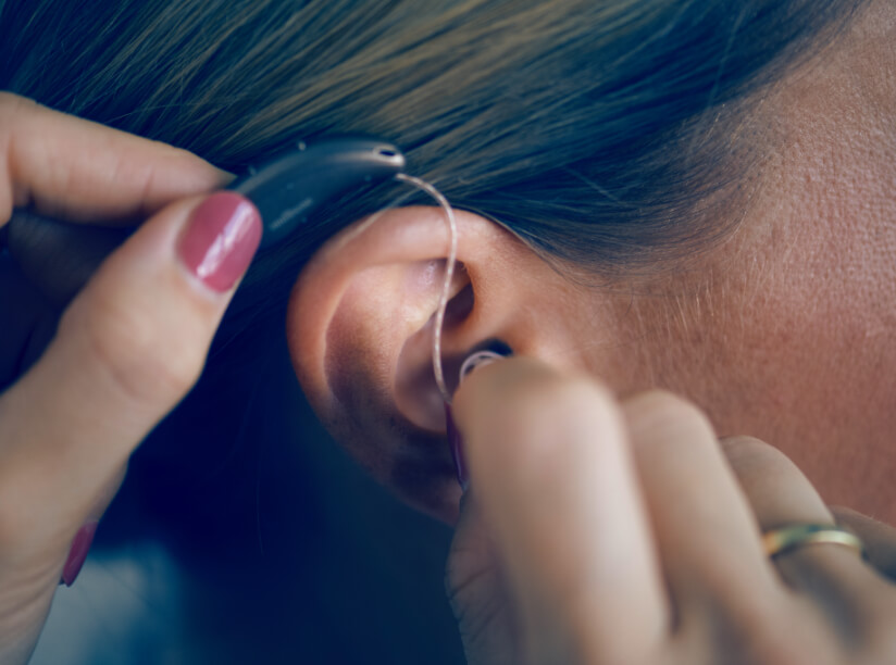 Hinter-dem-Ohr-Hörgerät