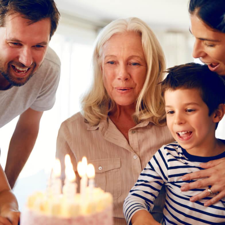Lebenfreude Familie mit Tinnitus-Noiser