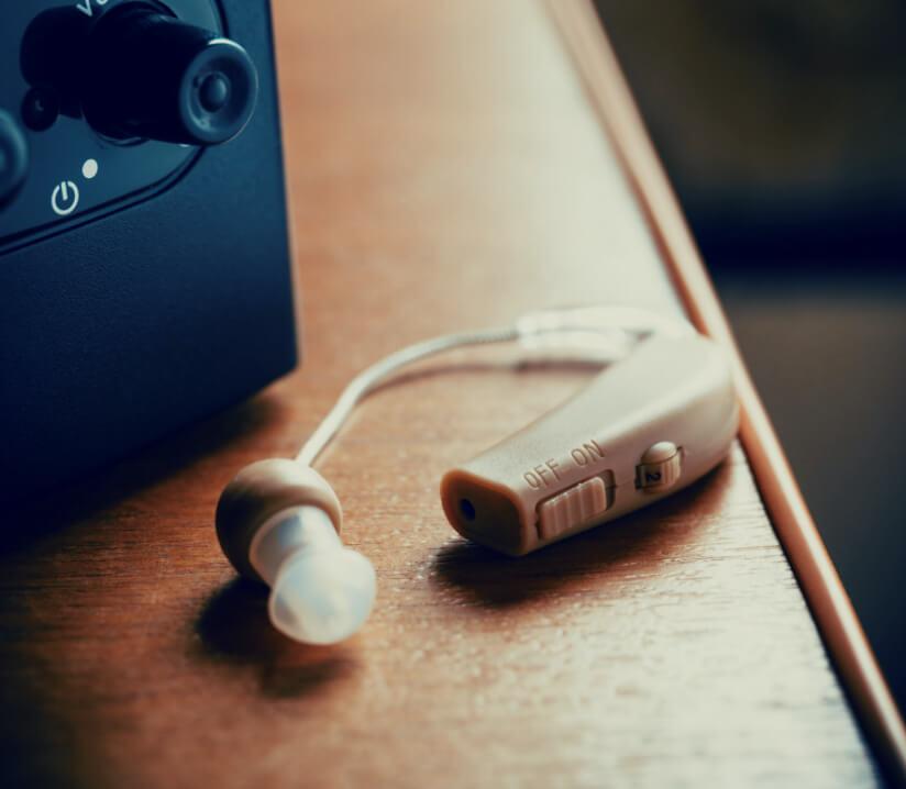 Hörgeräte Auf tisch